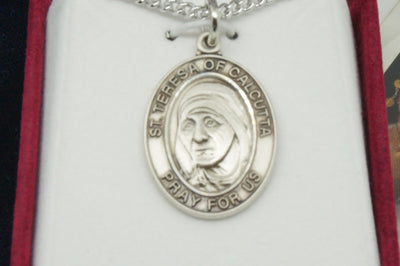 Saint Mother Teresa of Calcutta Silver Medal with Chain - Unique Catholic Gifts
