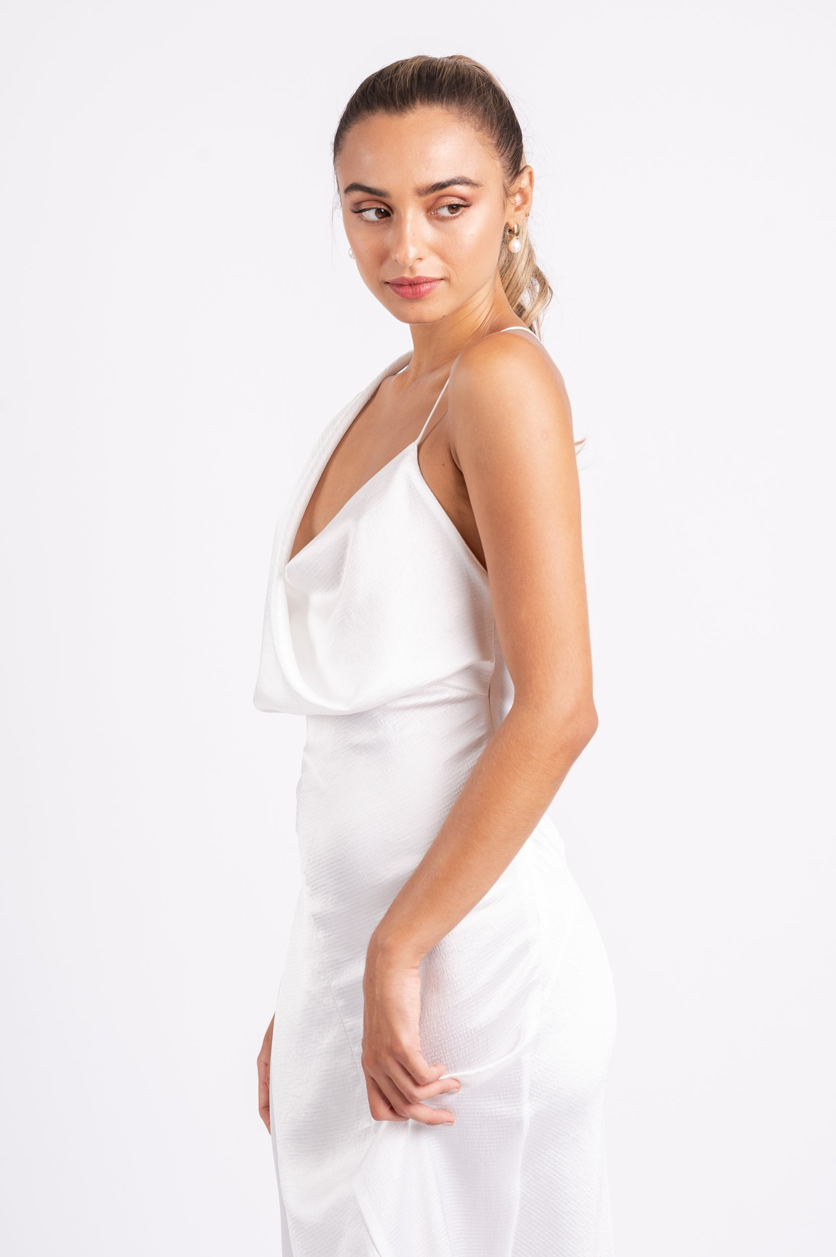 MUSE DRESS IN WHITE ON WHITE