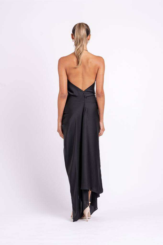 THE SURREAL DRESS IN BLACK AIR PO