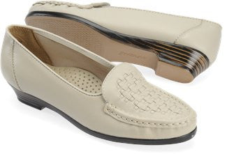 SOFTSPOTS Women's •Constance• Slip-on - ShooDog.com