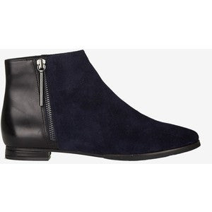 FRENCH CONNECTION Devin •Black• Flat Ankle Boot - ShooDog.com