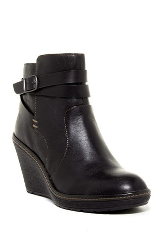 SOFFT Women's •Caralee• Wedge  Bootie - ShooDog.com