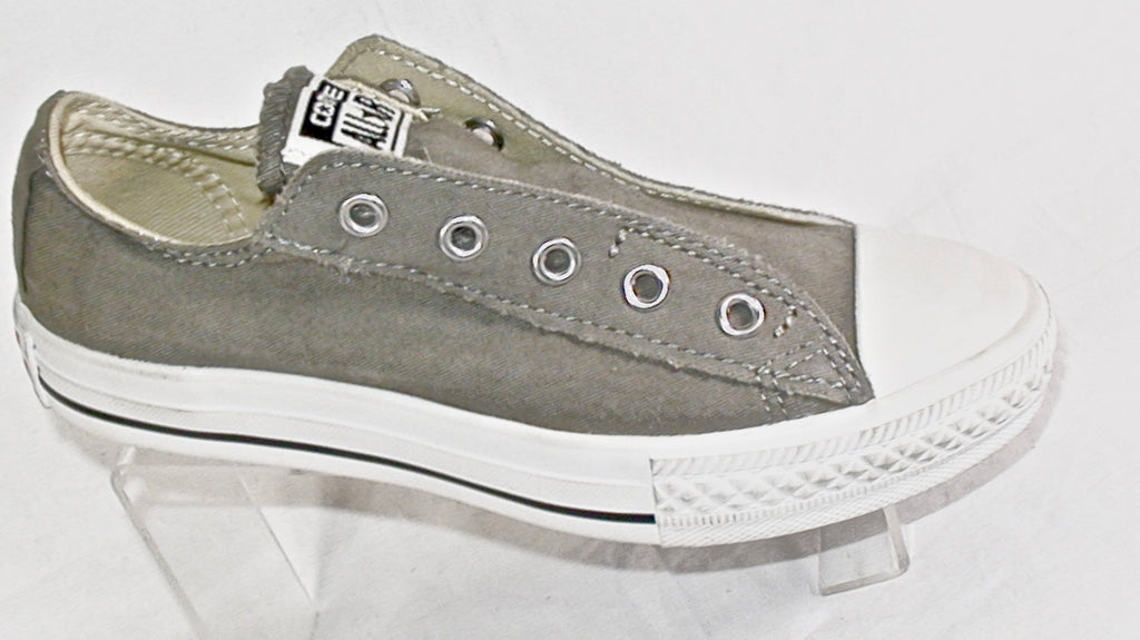 Youths Converse  •Chuck Taylor• All Star Slip on Sneaker