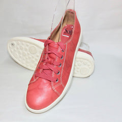 SOFFT Women's •Baltazar• Classic Lace-up Sneaker - ShooDog.com