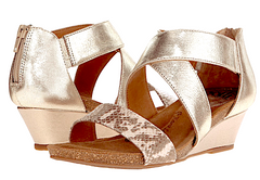 SOFFT Women's •Vallar• Wedge Sandal - ShooDog.com