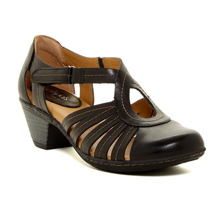 SOFTSPOTS Women's •Sally• Sandal - ShooDog.com