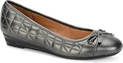 SOFFT Women's •Shondra• Quilted Cap-toe Flat