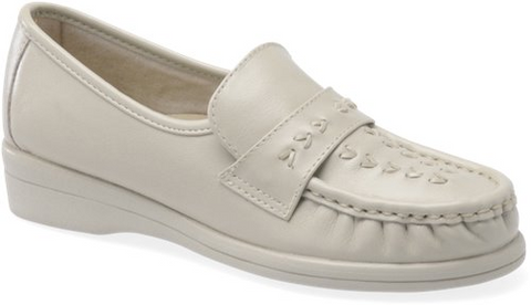 SOFTSPOTS Women's •Venus• Slip-on - Available in Widths