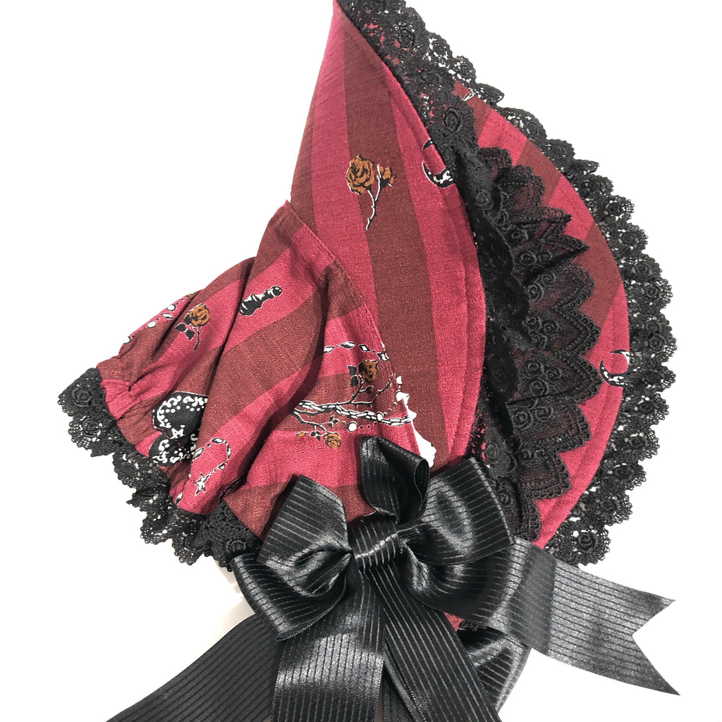 ALICE AND THE PIRATES - Rosy Night's Masquerade Bonnet (Rot) B-Ware! 2.Wahl