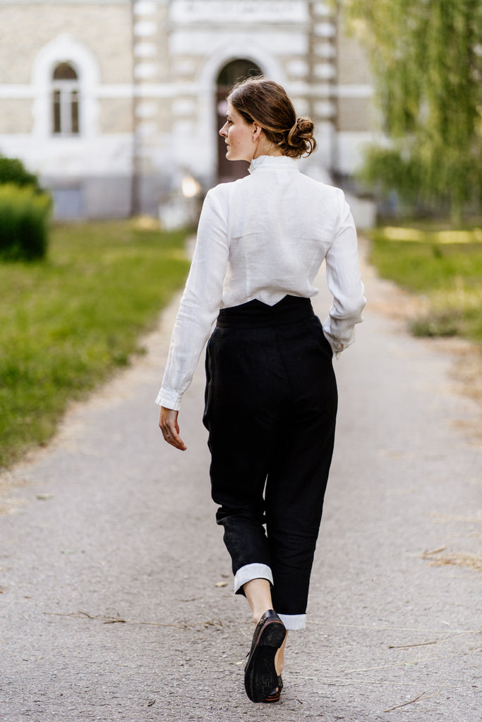 How to style Peg Leg Trousers?