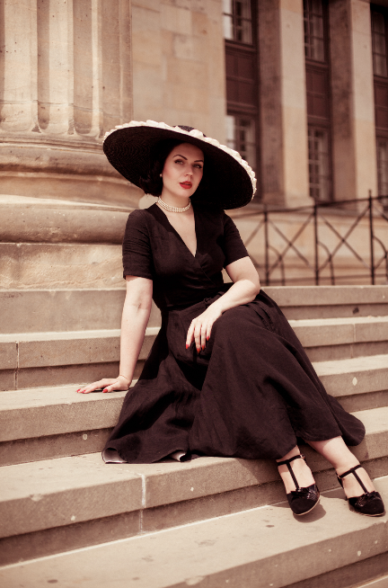 Vintage Glamour by Madame Rhos