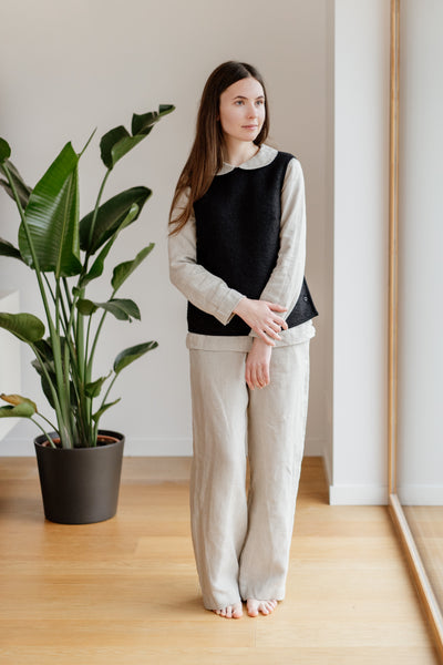 Lotus Vest, Wool, Black Pansy
