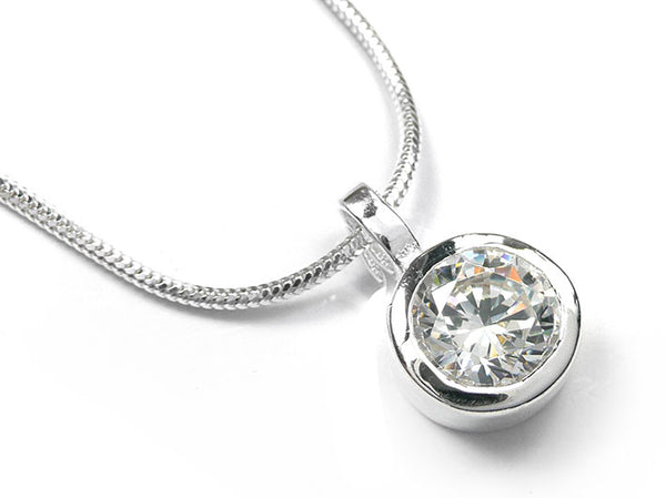 Silver Pendant - Chunky Solitaire