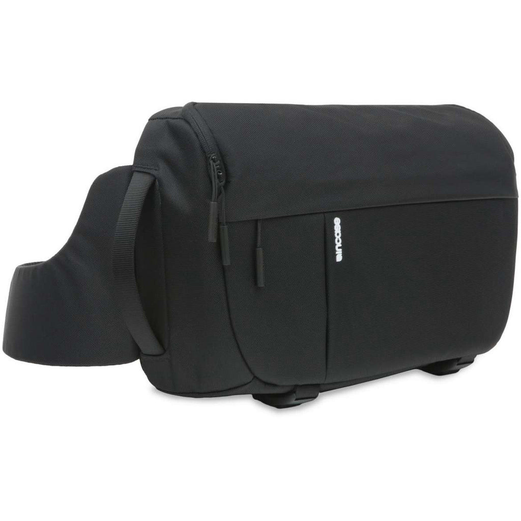Incase DSLR Sling Pack Nylon Black