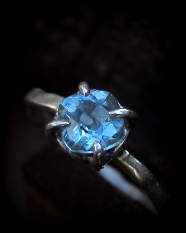 Callirrhoe Jewellery sky blue topaz ring
