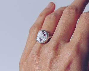 Delia Pebble Ring