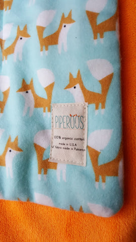 Piperoos Foxes Baby Change Pad Product Review http://tinydropsofhoney.blogspot.ca/2016/10/eco-friendly-basic-changing-pad-by.html