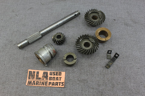 Johnson Evinrude Seahorse 7.5hp 1956 AD-10 Lower Unit Gearcase Gearbox Gear Set