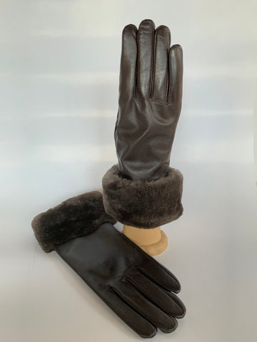 Beaver, sheared, leather, gloves, lambskin, cold weather, winter, fall, evening, furrier, genuine, real fur, fur, soft, warm, cosy, classic, gorgeous, elegant, beautiful, luxurious, timeless, simple, wonderland, exclusive, chic, stylish, style, comfort, vintage, modern, new, custom, quality, made to measure, eco friendly, heritage gallery, galerie, www.heritagegallery.ca, black, navy, cream, heritage, montreal, local, high quality, international shipping, shipping, usa, europe, touch screen, iphone, size