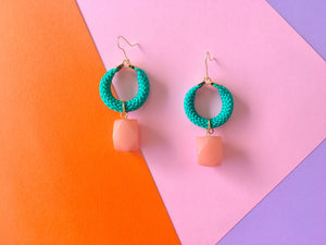 Hoola pop green salmon faceted