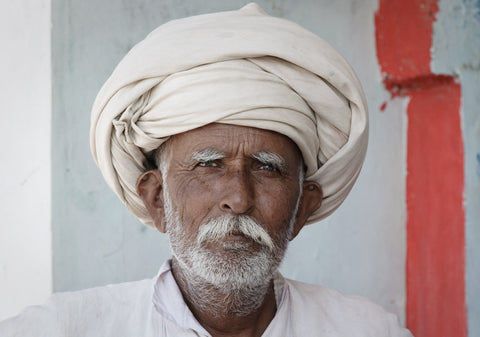 Kutch men mostly wear a turban over their heads
