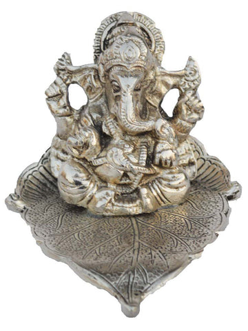 Silver Lord Ganesha Statue On Leaf-EC-HJRWME1SP36