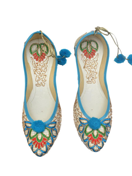 Mojari With Embroidery In White & Blue - RR-SJRM4N22