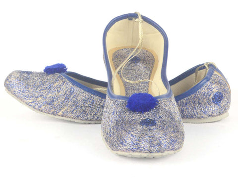 Mojari With Embroidery In Blue - RR-SJRM4N48