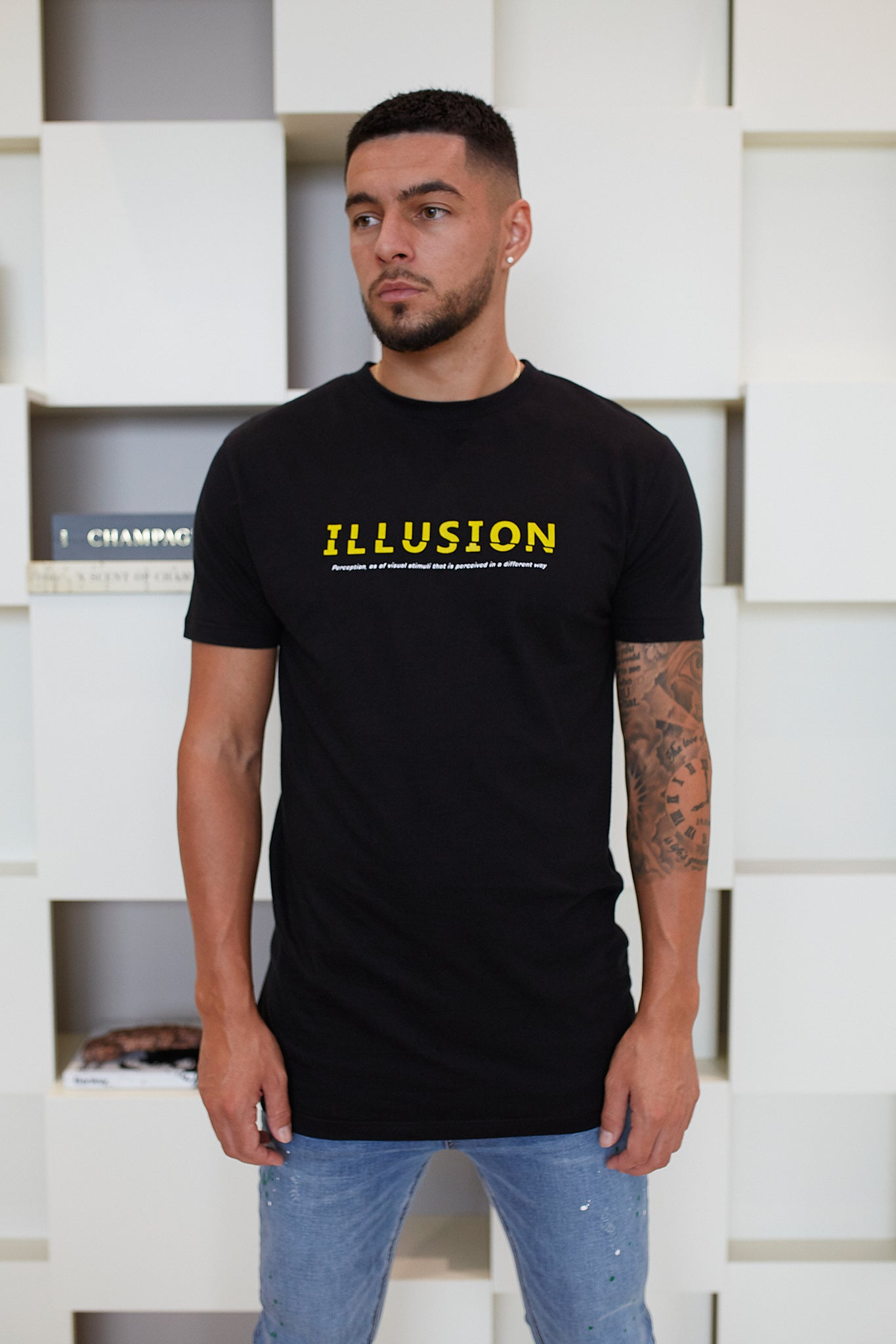 BLACK REFRACTED T-SHIRT - Illusion Attire