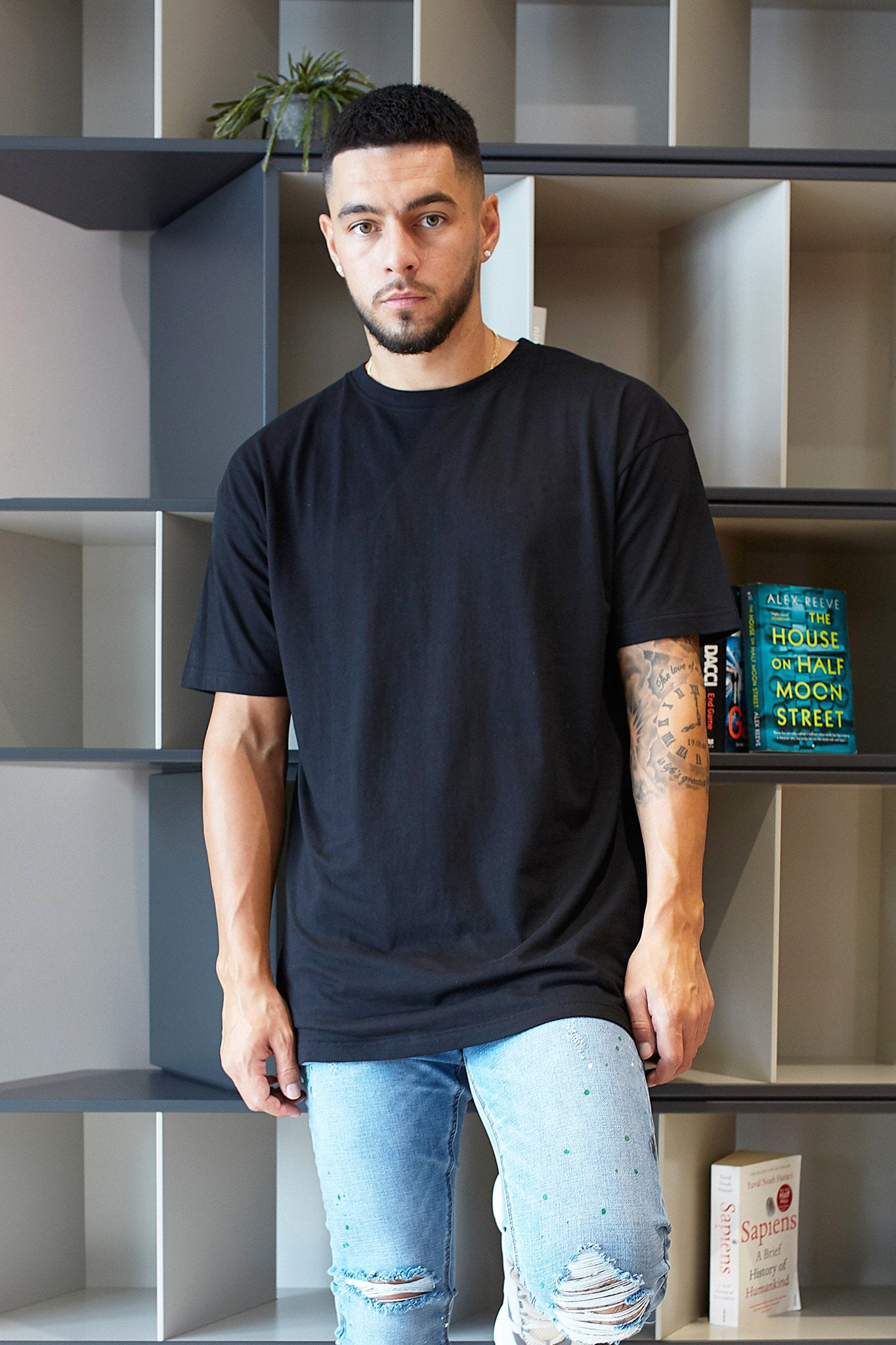 BLACK PREMIUM ESSENTIAL OVERSIZED T-SHIRT - Illusion Attire