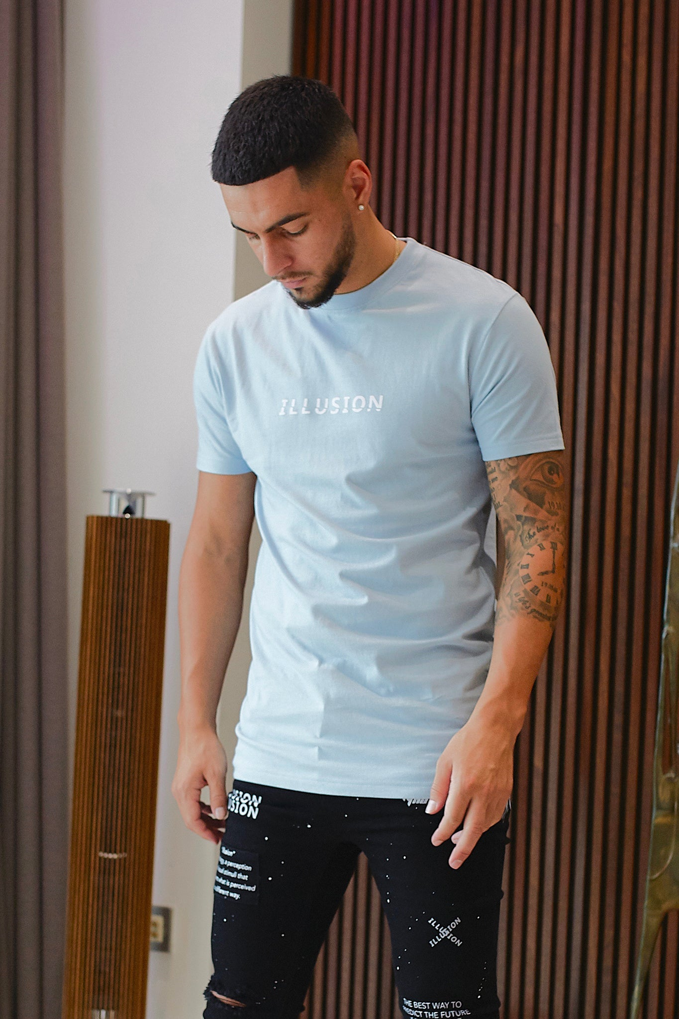 BLUE SLICED LOGO T-SHIRT - Illusion Attire