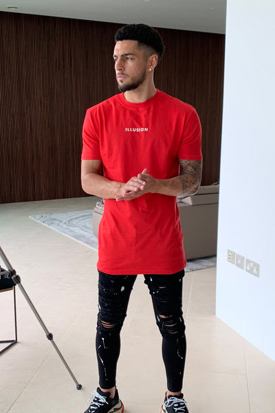RED ESSENTIAL TEE - Illusion Attire