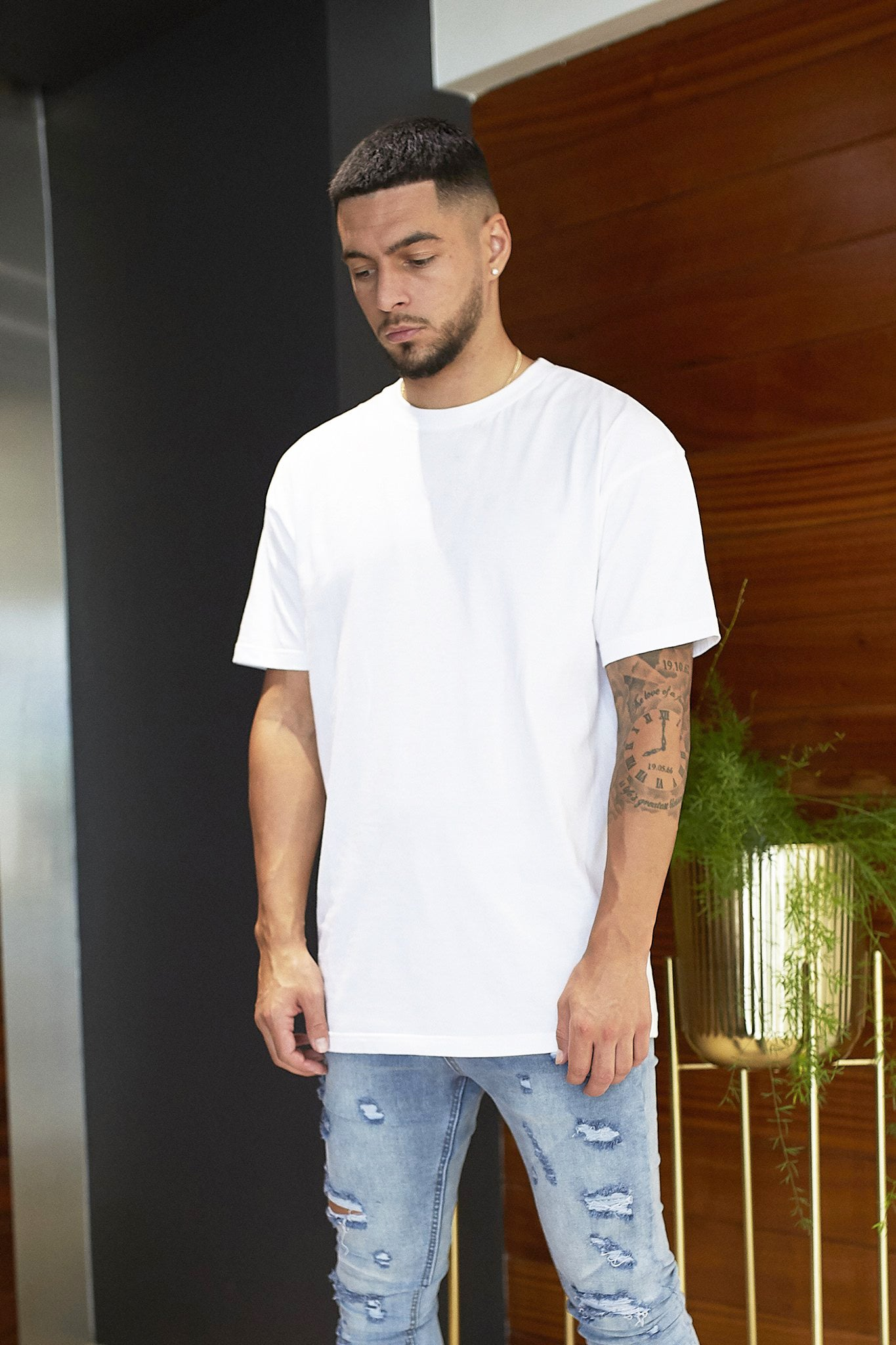 WHITE PREMIUM ESSENTIAL OVERSIZED T-SHIRT - Illusion Attire