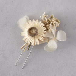 Dried flower hair pin : white