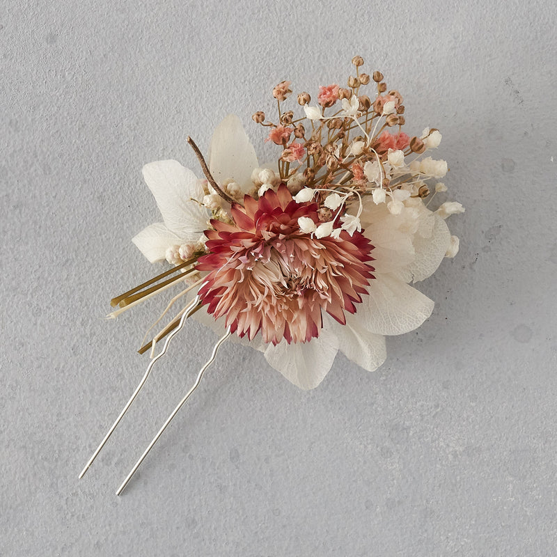 Dried flower hair pin : blush pink