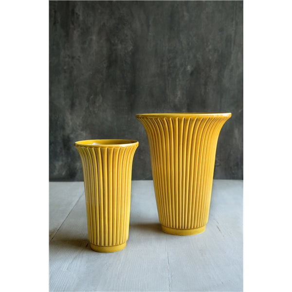 Bergs Potters Daisy Vase Large Yellow