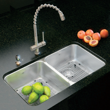 Kindred QDUA1933R/8 Kitchen Sink with BGA1517S Bottom Grid