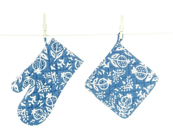 Blue Pomegranate Oven Mitt and Pot Holder Set