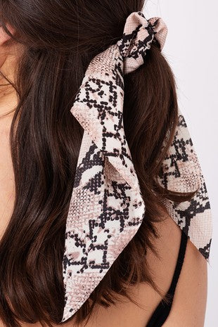 Printed Scrunchie with Detachable Scarf