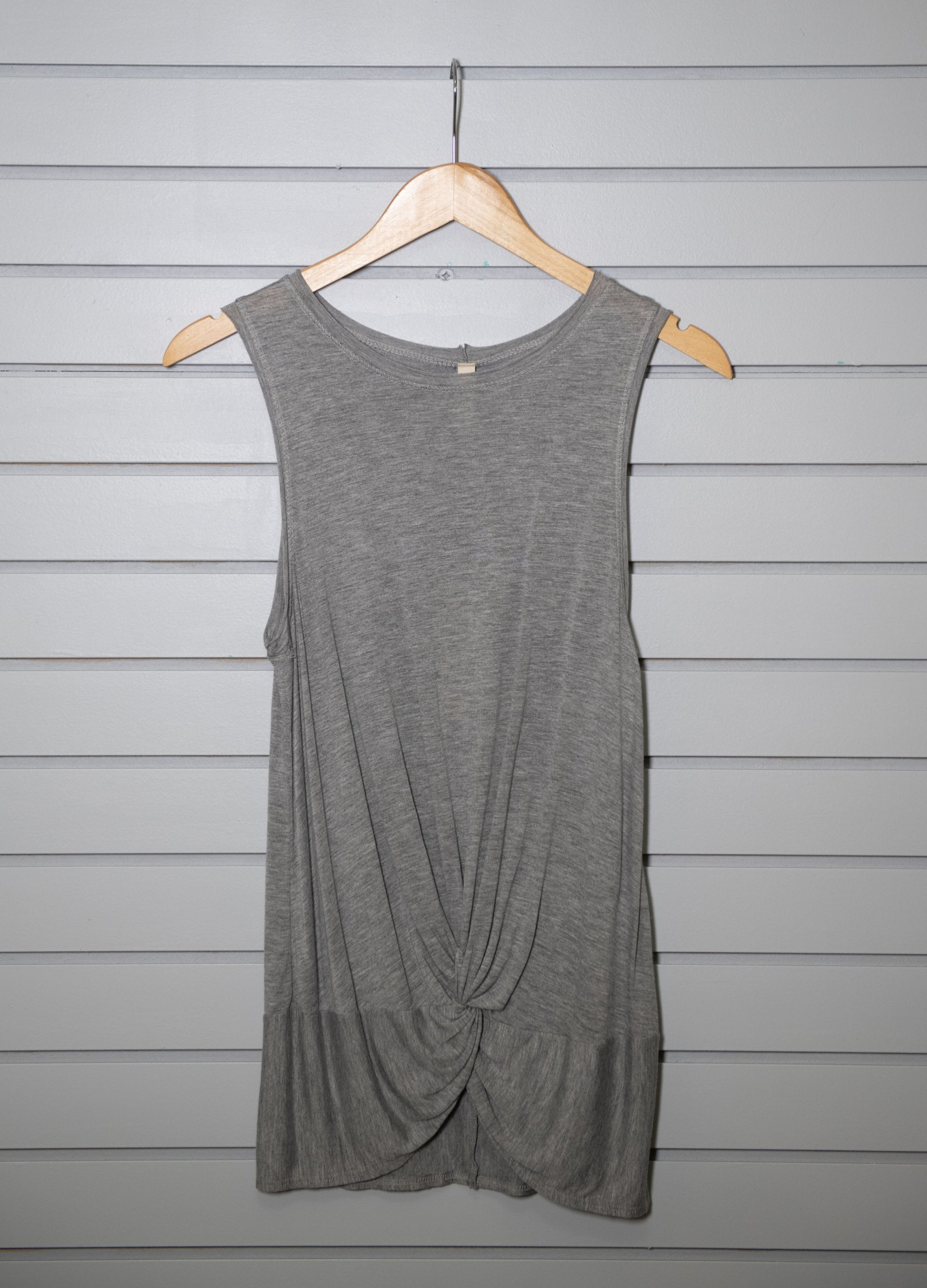Hailey Twist Top - Medium