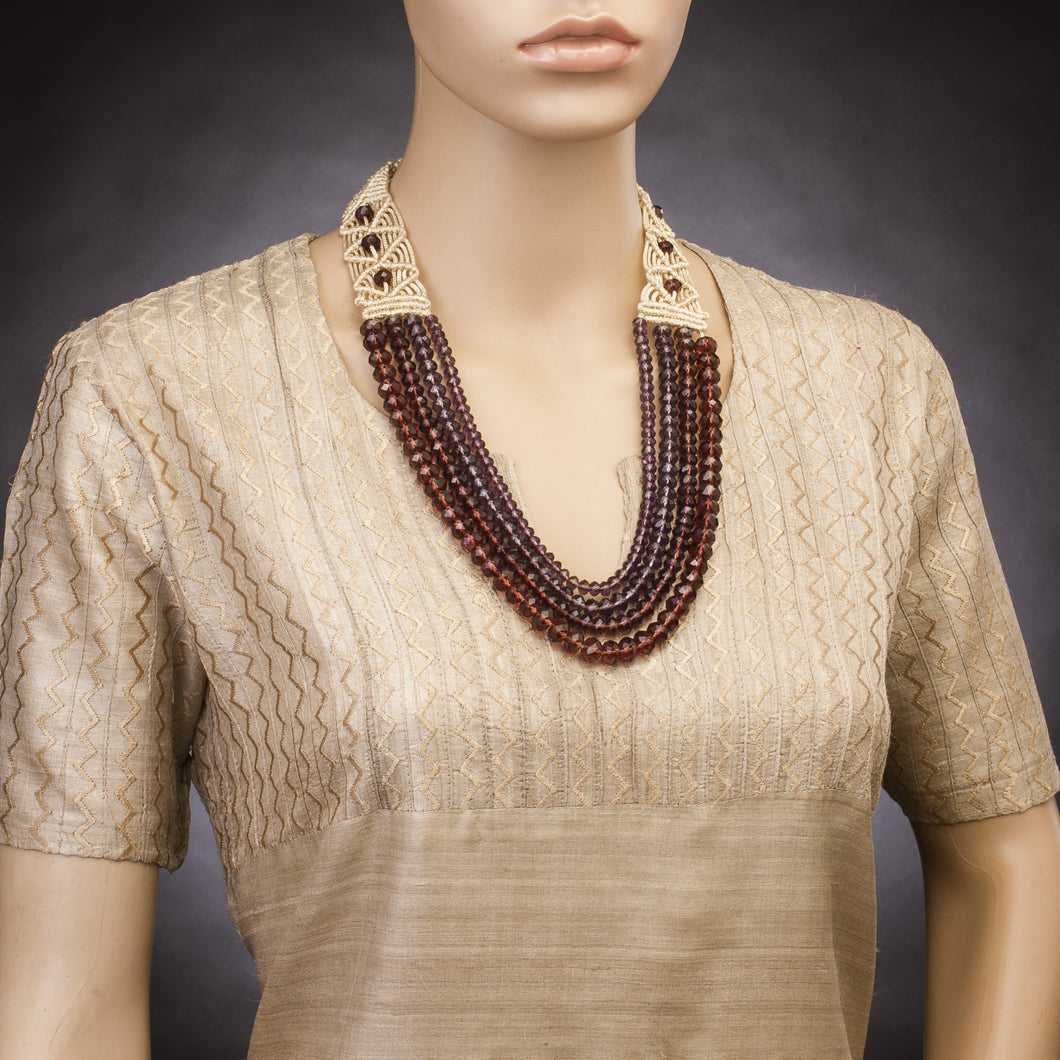 Four String Donna Necklace 07 Burgundi