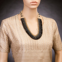 Four String Donna Necklace 08 Montana