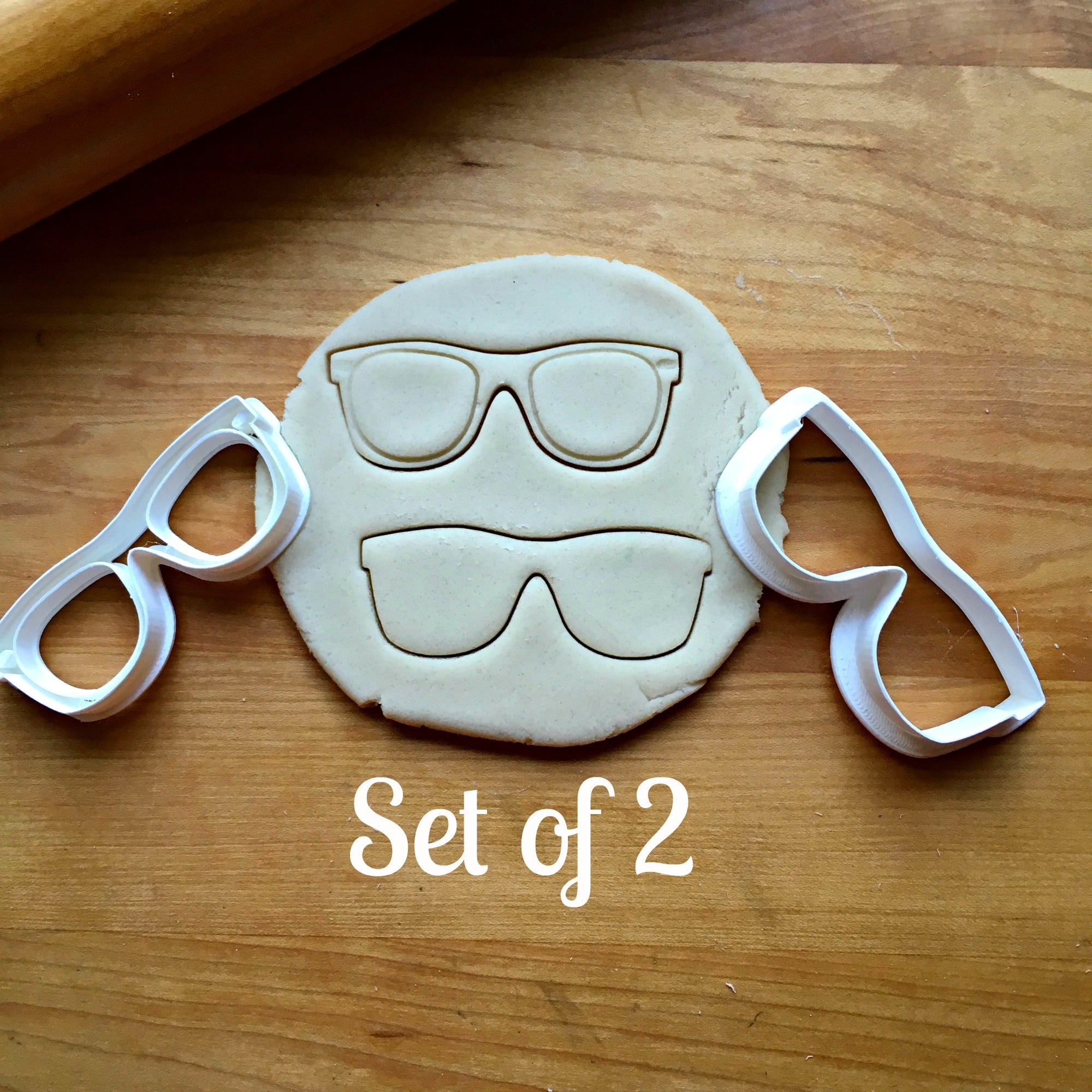 Set of 2 Retro Sunglasses Cookie Cutters/Dishwasher Safe