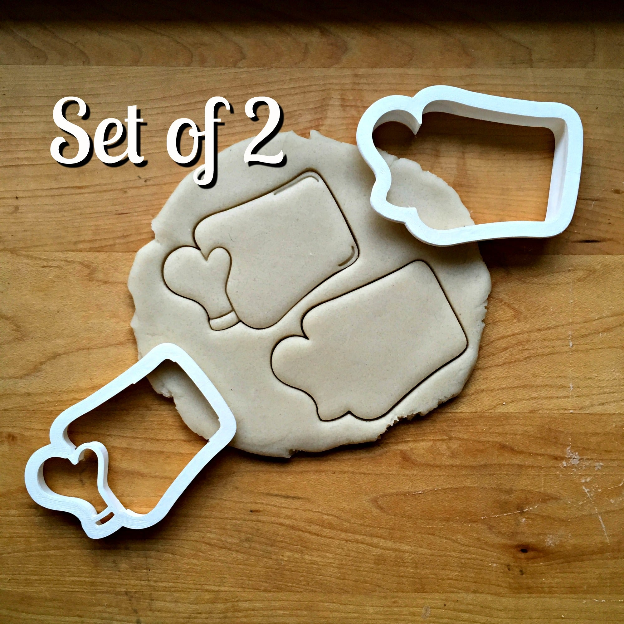 Set of 2 Baking Sheet with Mitt Cookie Cutters/Dishwasher Safe