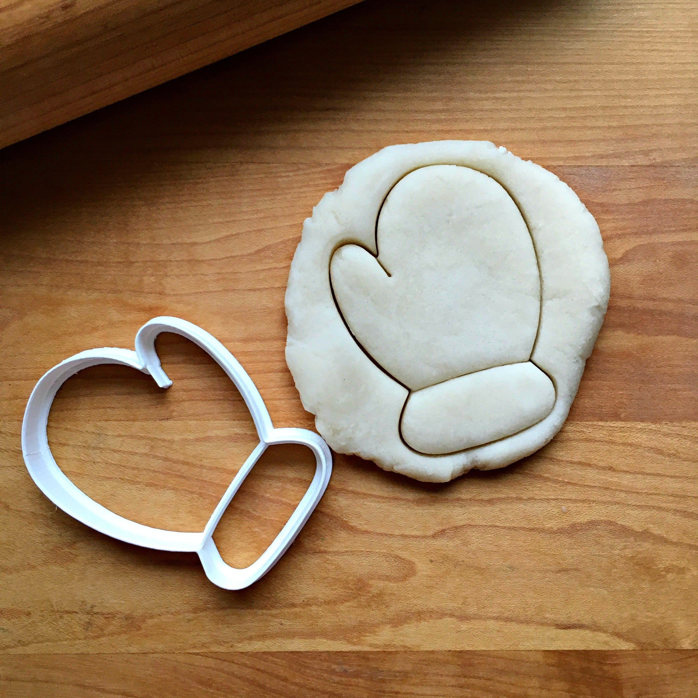 Right Mitten Cookie Cutter/Dishwasher Safe