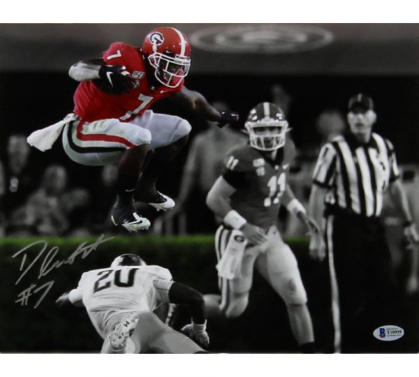 D'Andre Swift Signed Georgia Bulldogs Unframed 11×14 NCAA Photo – Spotlight