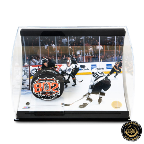 Wayne Gretzky Signed 802 Puck With 802 Goal Picture - Curve Display