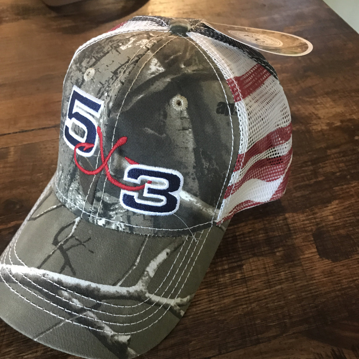 5X3 adjustable American flag and camo hat.