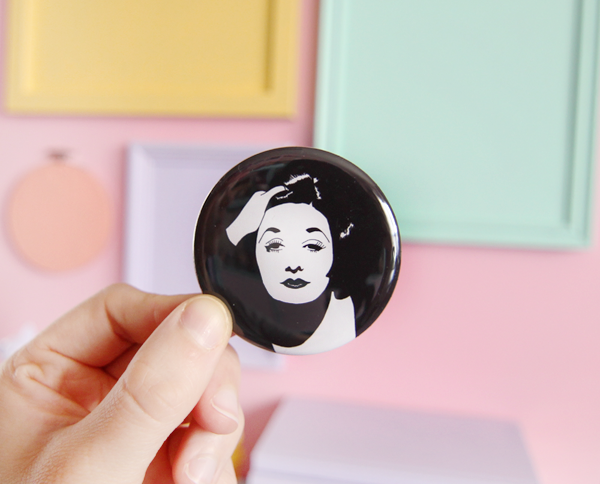 Gail pocket mirror