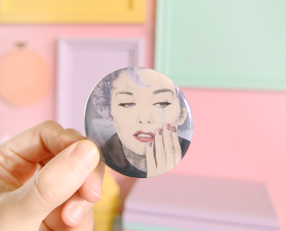 Kim Novak pocket mirror
